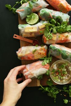 BAHN MI Spring Rolls in just 10 ingredients! HEALTHY, fresh and satisfying / Wholesome Foodie Baker Recipes, Cooking Recipes, Wine Recipes, Fingerfood Recipes, Fingers Food, Clean Eating, Healthy Eating, Vegetarian Recipes, Healthy Recipes