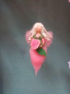 Jahreszeitentisch - Rosenfee, Elfe - ein Designerstück von Koria bei DaWanda