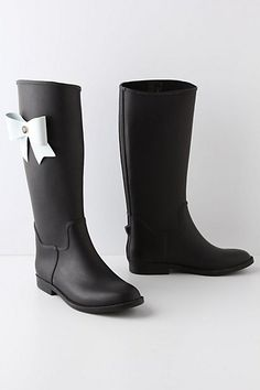 Omg! The perfect rain boots..I need them!