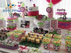 Festa Panda personalizada, Baloes canal Panda, Festa Canal Panda com baloes – Planet Party Panda Birthday Party, Panda Party, Birthday Table, Baby Birthday, Birthday Parties, Princess Birthday, Panda Decorations, Birthday Decorations, Minnie Mouse Party