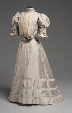 Dress 1905 The Philadelphia Museum of Art