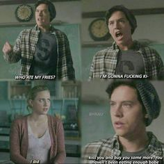 riverdale jughead jones asexuality scenes quotes betty cooper bughead In some of the Archie Comics, Jughead is portrayed as asexual. So why did they go a different route on the show Riverdale? Memes Riverdale, Kj Apa Riverdale, Riverdale Funny, Meme Comics, Archie Comics, 9gag Funny, Funny Texts, Hilarious Memes, Disney Memes