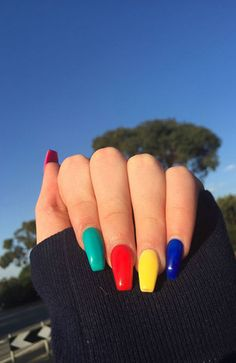 20 Cute Summer Nail Designs for 2019 Make your manicure pop with these cute an easy summer nails design ideas to try in Simple Acrylic Nails, Best Acrylic Nails, Acrylic Nail Designs, Colorful Nails, Spring Nails, Acrylic Nails For Summer Coffin, Colorful Nail Designs, Simple Nails, Nail Swag
