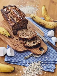 Juicy banana bread with oatmeal and nuts - Juicy banana bread with oatmeal and nuts - Cinnamon French Toast Bake, Baked French Toast Casserole, Pumpkin French Toast, Banana French Toast, Pain Perdu Simple, Gluten Free French Toast, Strawberry French Toast, Baking Recipes, Dessert Recipes