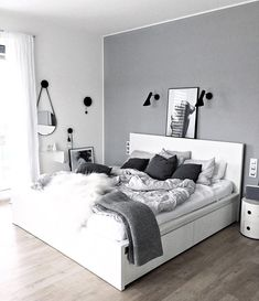 25 black and white bedroom interior design trends for 2019 - bedroom furniture ideas White Bedroom Decor, Room Ideas Bedroom, Home Bedroom, Modern Bedroom, White Bedrooms, Bedroom Black, Grey Room Decor, Light Gray Bedroom, Trendy Bedroom