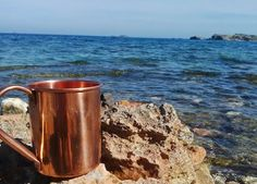 The perfect Moscow Mule for a Warm summer's day Moscow Mule Cups, Moscow Mule Recipe, Copper Cups, Copper Moscow Mule Mugs, Vodka Drinks, Ginger Beer, Classic Cocktails, Coffee Maker, Tableware