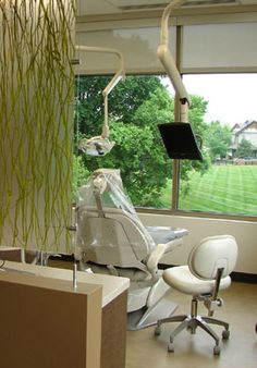 Dr. Ward's Dental Office was designed to provide a  good view to the outside from the patient chairs.