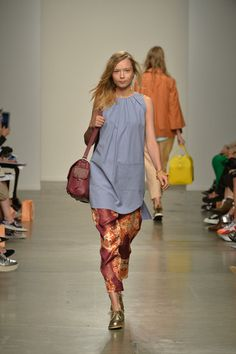 Karen Walker Spring 2014 Ready-to-Wear Collection Slideshow on Style.com