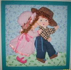 Afbeeldingsresultaat voor trapunto paso a paso Antique Quilts, Vintage Quilts, House Quilts, Baby Quilts, Hobbies And Crafts, Diy And Crafts, Sue Sunbonnet, Quilt Storage, Panel Quilts