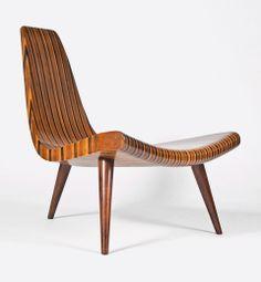 "The ""father"" of Brazilian modernism, the Portuguese-born furniture designer Joaquim Tenreiro - brought together Brazil. Vintage Furniture Design, Art Furniture, Mid Century Chair, Scandinavian Modern, Mid Century Modern Furniture, Mid Century Design, Chair Design, Mid-century Modern, Modern Design"