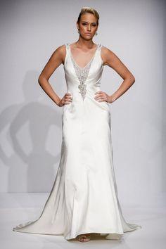 Pin for Later: Les Plus Belles Robes de Mariée de la Bridal Fashion Week Automne 2014  Matthew Christopher Couture Bridal Autumn 2014