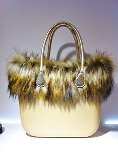 Borsa OBag fur edition #doricocalzature #obag #bag instaglam #fashion www.doricocalzature.it