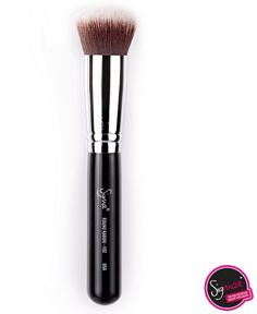 SIGMA F82 Round Kabuki- great for applying and blending cream blush