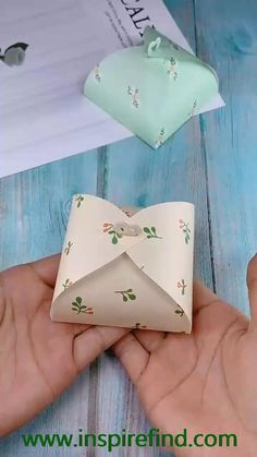 Cool Paper Crafts, Paper Crafts Origami, Origami Paper, Paper Crafting, Origami Boxes, Dollar Origami, Origami Gifts, Origami Ideas, Oragami