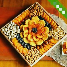 Gourmet Dried Fruit and Nut Snack Gift - Gift Baskets & Fruit Baskets - Harry and David Wedding Gift Baskets, Wine Gift Baskets, Basket Gift, Fruit Decorations, Food Decoration, Gourmet Food Gifts, Gourmet Recipes, Fest Des Fastenbrechens, Deco Fruit