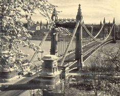 Old Pictures, Old Photos, Vintage Architecture, Budapest Hungary, Tower Bridge, Brooklyn Bridge, Historical Photos, Tao, The Past