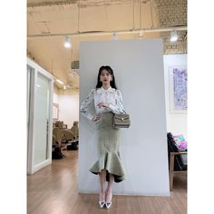 Image may contain: one or more people, people standing and indoor Luna Fashion, Daily Fashion, Girl Fashion, Female Fashion, Workwear Fashion, Kpop Fashion Outfits, Korean Outfits, Nancy Drew Costume, Korean Celebrities
