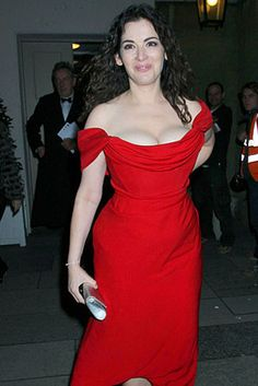 Nigella is a figure 8 shape, like me - there's worse style icons... though I still can't cook :-)