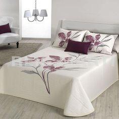 Colcha LEAVE Reig Marti Bed Cover Design, Bed Design, Bedroom Crafts, Bedroom Decor, Sofas Relax, Room Interior Design, Black Bedding, Fashion Room, Home Decor Kitchen