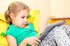Videogames, iPads, tablets e celulares já fazem parte do cotidiano das crianças.