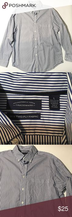 Roundtree & Yorke Striped Button Down Blue and white striped 100% cotton longsleeved button-down shirt in excellent condition. Roundtree & Yorke Shirts Casual Button Down Shirts