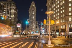 #New York, 5th Avenue at night