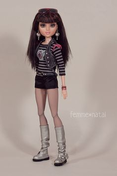 """Mix&Match with «Teen Basics in Black» OUTFIT for 14"""" Moxie Teenz 