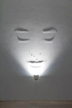 light art installation Sculpting the light (shadow art) By Fabrizio Corneli . You might also like Sources: Fabrizio Corneli