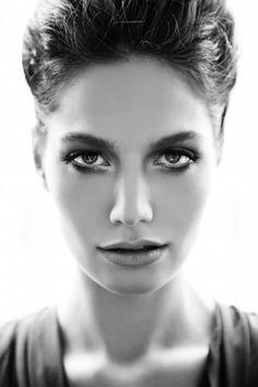 Turkish Actress: Gülcan Arslan - Elele March 2012 Issue smokey make up Turkish Beauty, Classic Beauty, Make Up, Actresses, Celebrities, Pretty, Beautiful, Faces, Women
