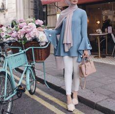 Fashion Hijab Chic Dress Styles 40 New Ideas Modest Fashion Hijab, Street Hijab Fashion, Casual Hijab Outfit, Hijab Chic, Abaya Fashion, Muslim Fashion, Modest Outfits, Fashion Outfits, Modele Hijab