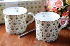 Set of 2 V&A William Morris Daisy Cream Fine Bone China Mugs