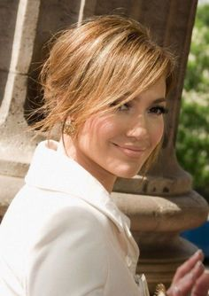 Jennifer Lopez Hairstyles: Sunny Messy Updo with Side-swept Bangs . (bun hairstyles with bangs) Easy Updo Hairstyles, Side Swept Hairstyles, Summer Hairstyles, Pretty Hairstyles, Bangs Hairstyle, Ladies Hairstyles, Layered Hairstyles, Hair Updo, Messy Hair