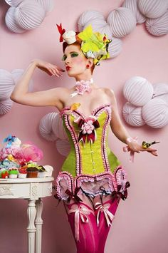 Callippo Corset by Maya Hansen.this is a freaking amazing corset! I want one in fat size! Pin Up Fotografie, Fashion Fotografie, Pin Up Photography, Fashion Photography, Photography Editing, Portrait Photography, Maya, Green Corset, Pink Corset
