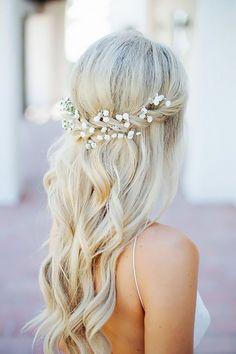 Half Up Half Down Wedding Hairstyles Ideas ❤ See more: http://www.weddingforward.com/half-up-half-down-wedding-hairstyles-ideas/ #weddings #weddinghairstyles