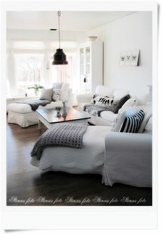 I would love to have the couch and chaise lounges in my living room. Not in white but a chocolate brown or even a camel/sand color. Cozy Living Rooms, My Living Room, Home And Living, Living Spaces, Ikea Deco, Room Inspiration, Interior Inspiration, Decoration, Home Furniture