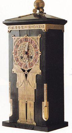 Klaas van Aken (1882-1947), pendule uit 1923...