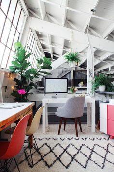 @westelm Chair + Desk + Rug in @designlovefest's sunny office loft