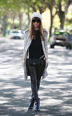 Hipsters for Sisters Black Flat Fanny Pack Available at Bead & Reel Fashion Show, Fashion Outfits, Womens Fashion, Fashion Trends, Designer Fanny Pack, Black Flats, Ethical Fashion, Sustainable Fashion, Fall Outfits