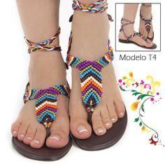 macrame sandalias - Buscar con Google Crochet Sandals, Crochet Boots, Beaded Sandals, Crochet Slippers, Sock Shoes, Shoe Boots, Homemade Shoes, Crochet Flip Flops, Micro Macramé