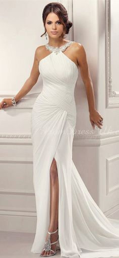beach wedding dress http://www.wedding-dressuk.co.uk