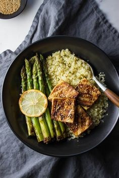 GRILLED TOFU & ASPARAGUS + GINGER CAULIFLOWER RICE - THE SIMPLE VEGANISTA