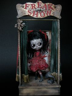 Postcard Art Doll Julien Martinez no 3 From The Book the Doll Scene New Creepy Toys, Scary Dolls, Creepy Art, Images Terrifiantes, Art Sinistre, Living Dead Dolls, Creepy Pictures, Gothic Dolls, Evil Clowns
