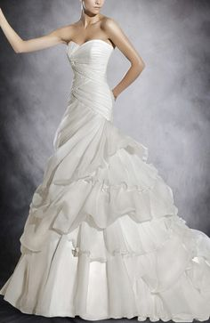 Organza White Trumpet/ Mermaid Sweetheart Strapless Chapel Train Wedding Gown