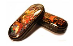 $22.00 Handpainted Lacquered Palekh Spectacle Case  http://catalog.obitel-minsk.com/plh-08-1-5-futljar-dlja-ochkov-paleh.html #delivery #worldwide #order #handmade #souvenir #Christmas #shipping #online #buy #gift #present #crafts #quality #spectacle #glasses #case