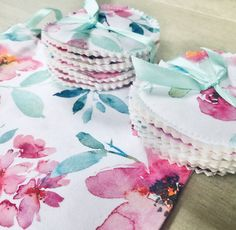 Gorgeous floral fabric, now available with 14 cleansing pads made from soft flannelette, cotton padding and cotton fabric Cotton Pads, Cotton Fabric, Makeup Remover Pads, Wash Bags, Floral Fabric, Handmade, Hand Made, Cotton Textile, Dopp Kit