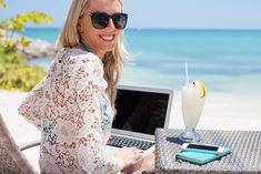 Aký druh blogera chceš byť? Ak bloguješ alebo plánuješ blogovať iba pre radosť na svojom alebo na verejnom blogu, nepotrebuješ na to v zásade nič extra. Stačí písať :-). Ak sa však chceš blogovaním živiť, môžeš sa vydať dvomi cestami: Prvá cesta: Blogovať pre cudzí web (blog). V takomto prípade je bloger v podstate autor, … Continued Lace Wedding, Wedding Dresses, Tops, Women, Fashion, Bride Dresses, Moda, Bridal Gowns, Fashion Styles