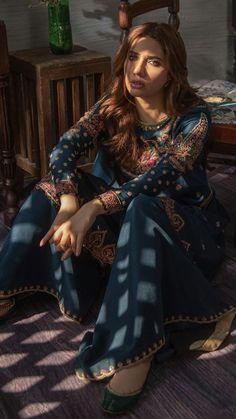 Mahira Khan in Zara Shahjahan. Pakistani Wedding Outfits, Pakistani Dresses, Indian Dresses, Indian Outfits, Pakistani Designer Suits, Pakistani Dress Design, Indian Designer Wear, Pakistan Fashion Week, Pakistani Couture