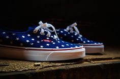 VANS AUTHENTIC STUDDED STARS SHOES