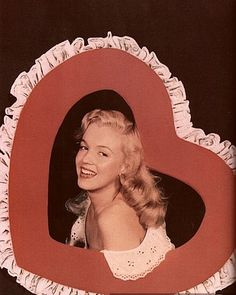Such a cute Valentine pic of Marilyn!