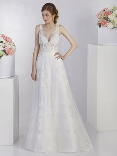 Spitzenbesetztes Brautkleid. Rock, Formal Dresses, Fashion, Bridal Gown, Dresses For Formal, Moda, La Mode, Locks, Fasion